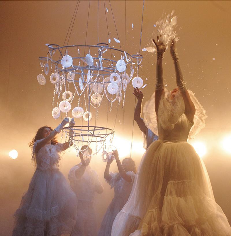 60_5_chandelier